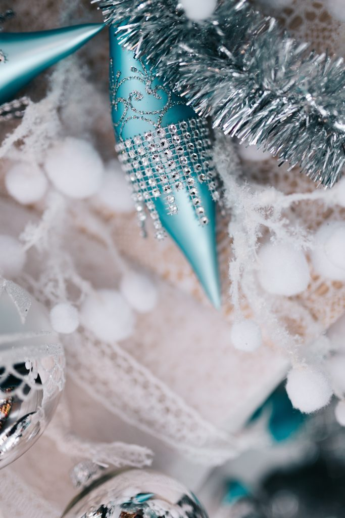 6 Beautiful Christmas Tree Style Ideas - Adore Your Home with ...